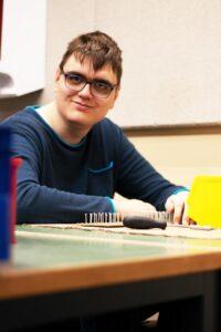 arbeiten in der Behindertenwerkstatt Reinsdorf